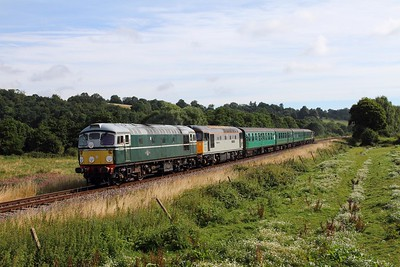 D5310+33063 on the 2J59 0920 Tunbridge Wells West to Eridge at Pokehill farm crossing on the 5th August 2016