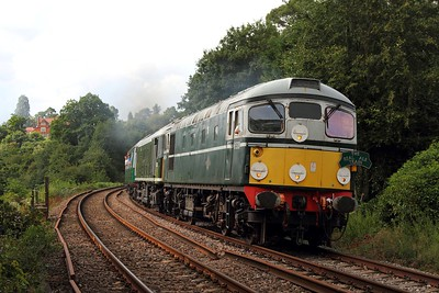 D5310+D5185 on the 2T73 1620 Tunbridge West Wells to Eridge at Ford crossing, Eridge on the 5th August 2016