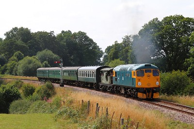 26038 on the 2T72 1415 Eridge to Tunbridge Wells at Lealands on the 1st August 2014