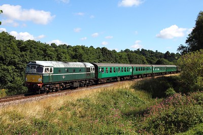 D5310 on the 2J61 1020 Tunbridge Wells West to Eridge at Pokehill farm on the 6th August 2016