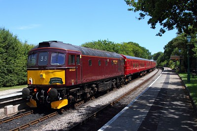 33025 tnt 33012 on the 2Z13 1319 Wareham to Swanage at Harmans Cross on the 9th July 2017 hires