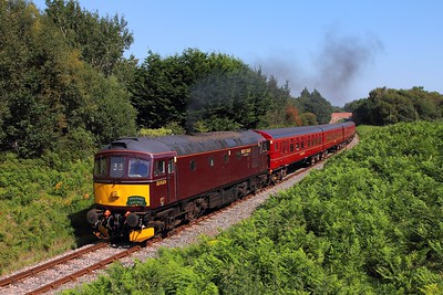 33025 tnt 37518 on the 2Z30 1426 Swanage to Wareham at Catseyes bridge on the 27th August 2017