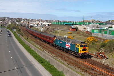 47580+47270 prepare to work the 1Z28 Holyhead to Carnforth departing Holyhead to go back and reverse in the washers on the 22nd April 2017