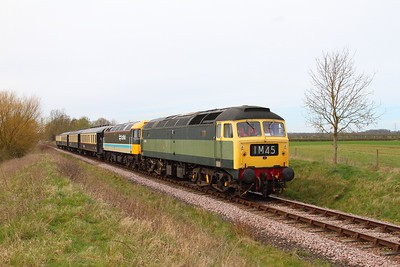 47192+47712 on the 1E50 1322 Wansford to Peterborough at Castor on the 10th April 2016