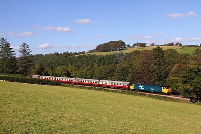50042+33110 on the 1525 Bodmin General to Bodmin Parkway at Charlie Gate on the 26th September 2015