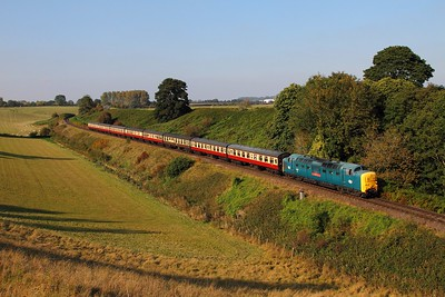 55019 on the 1518 Bridgnorth to Kidderminster at Eardington on the 2nd October 2015