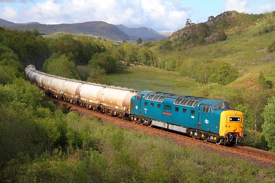 55022 Glen Falloch with the 6E45 Fort William to Mossend Alcans on the 30th May 2011