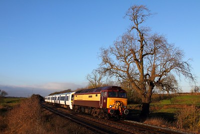 57305+379013 on the 5X52 0955 Old Dalby to Ilford at Brentingby crossing, Wyfordby on the 16th December 2014