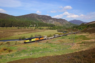 60021 on the 6K20 Tomatin to Millerhill at Crubenmore on the 27th May 2018