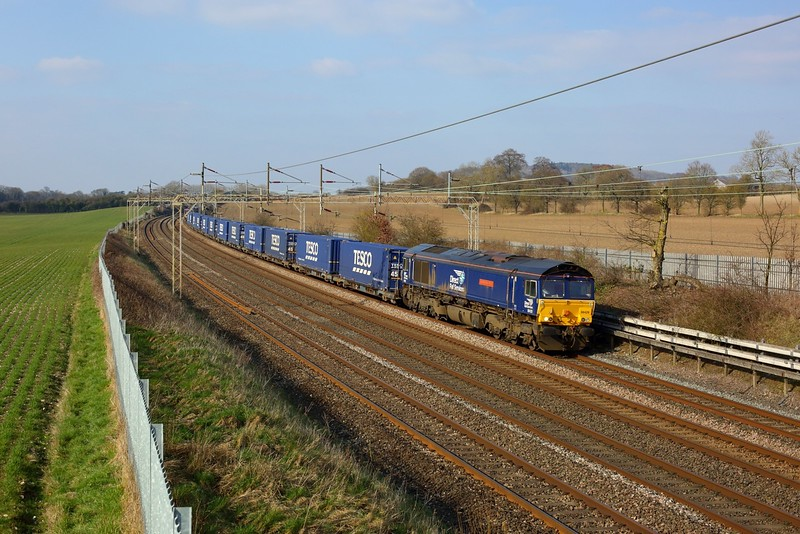 66428 working 4L48 1309 Daventry to Tilbury at Cow Roast on 7 March 2021  DRS66, WCMLSouthEast