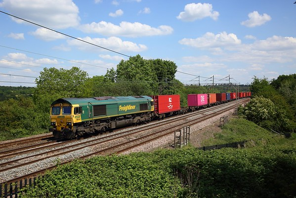 66548 works the 4M58 Southampton to Garston at Chelmscote on WCML on 1 June 2020  Freightliner66, WCMLLondon, Freightliner