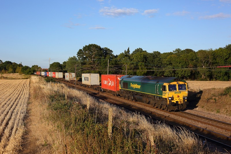 66565 working 4M89 1613 Felixstowe North to Ditton at Ardleigh on 6 August 2020  Freightliner66, GEML