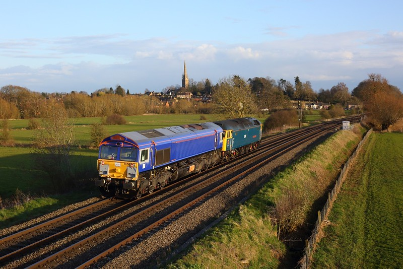 66798 hauled by 47749 as 0O66 Doncaster Down Decoy to Eastleigh East Yard at Kings Sutton on 25 March 2021, GBRf66, Chilternmainlinesouth