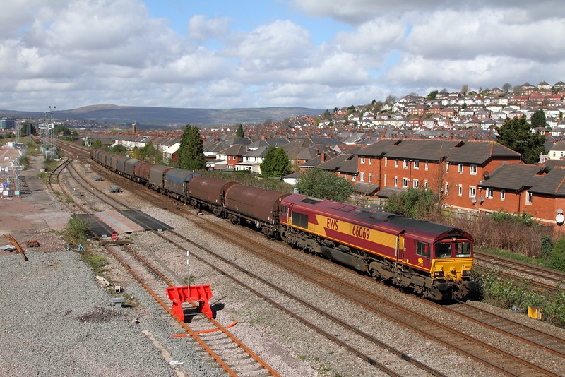 66069 on the Newport Docks to Llanwern at Somerton on the 31st March 2017