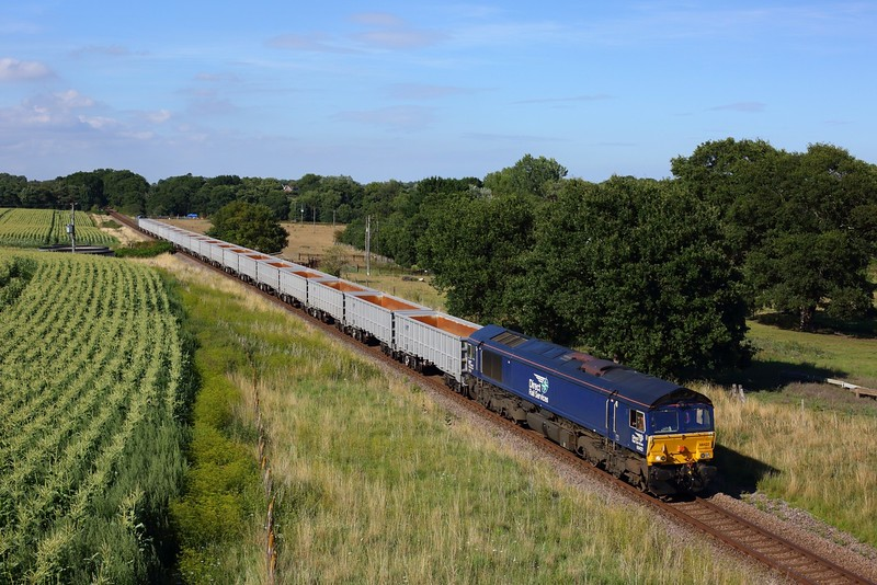 66422 tnt 68026 on 6Z69 Sizewell to Stowmarket at Friday Street on 6 August 2020  DRS66, DRS