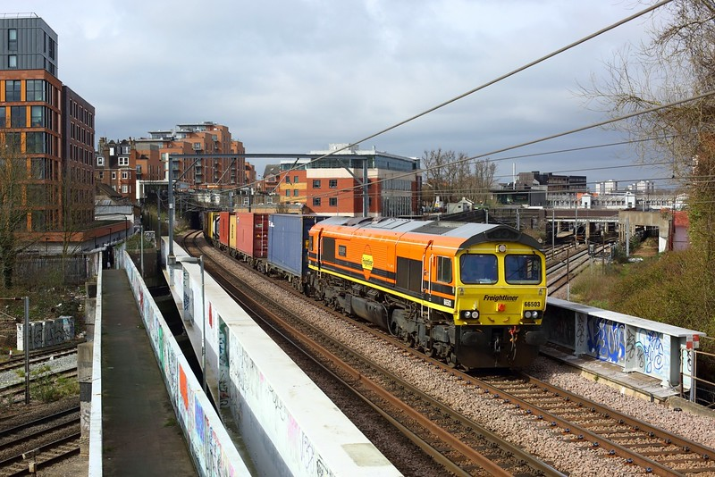 66503 powering 4L52 Garston to London Gateway at West Hampstead on 25 March 2021  Freightliner66, NLL