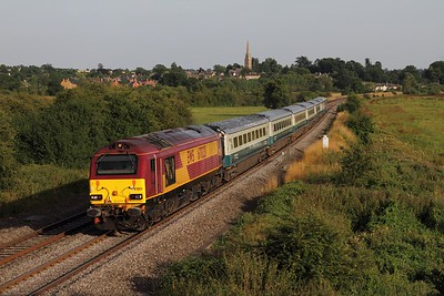 67023 on the 1U61 1750 London Marylebone to Banbury at Kings Sutton on the 18th July 2014