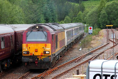 67007 on the 1B01 Fort William to Edinburgh at Tulloch on the 20th June 2014