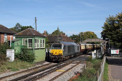 67012 tnt 67014 on the 5Y46 1336 Ashford Interntional to Canterbury West at Chartham on the 24th September 2017