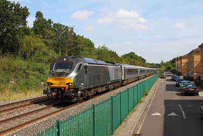 68013 on the 1R33 1309 London Marylebone to Birmingham Moor Street at Northolt Park on the 26th August 2017