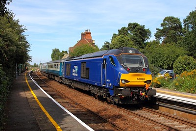 68028 tnt 68005 on the 2J74 1205 Norwich to Lowestoft at Somerleyton on the 28th August 2017