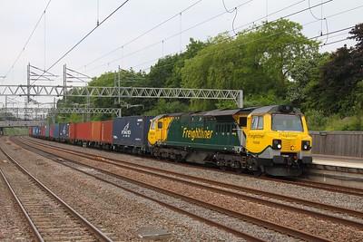 70008 4O27 Garston to Southampton at Tamworth on the 20th June 2013