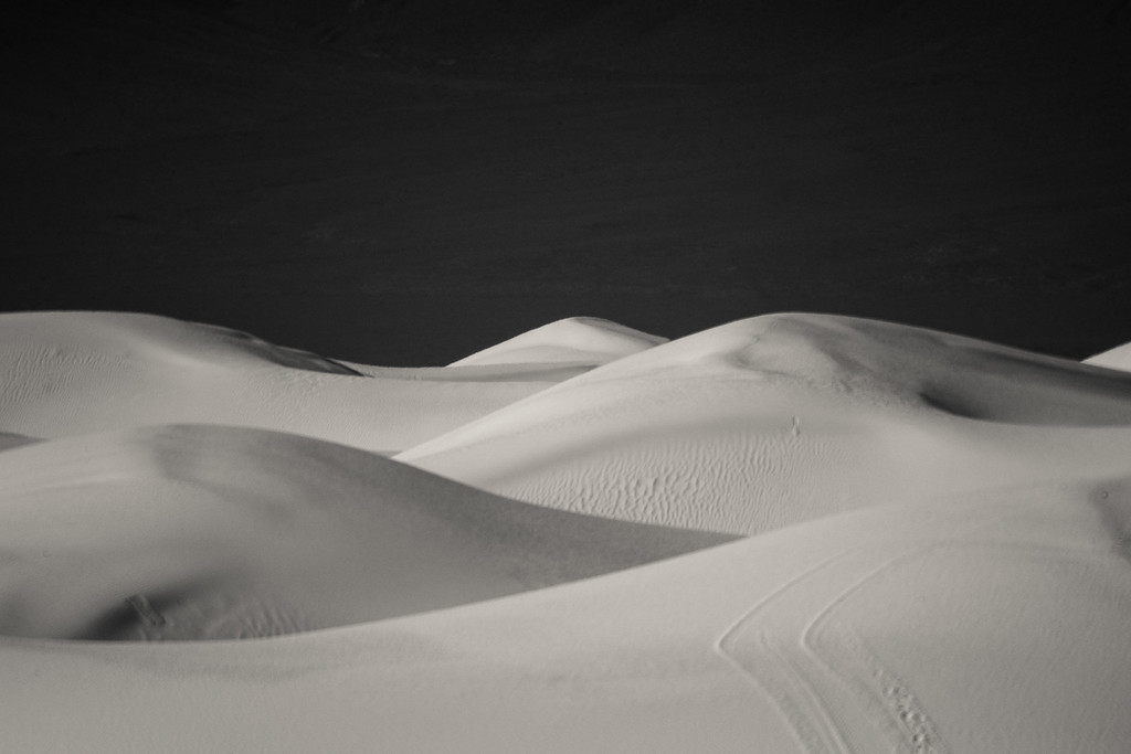 IMAGE: https://photos.smugmug.com/Digital-Archive/Travel/White-Sands-National-Park/i-DQjNWhf/0/XL/DSC09548-XL.jpg