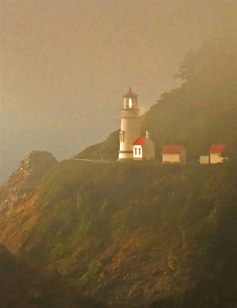 ag-heceta lighthouse oregon