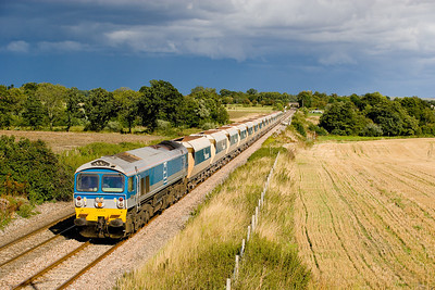 290806 59004 on  6C76  14:17 Acton yard-Whatley passes Manningford under darkening skies!