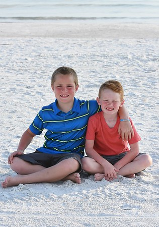 Family photo session at Siesta Key Beach, FL
