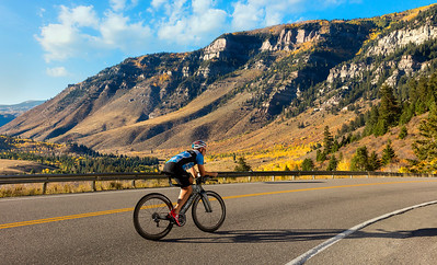 Dimond-Colorado-Autumn-CyclingUphill-UHD