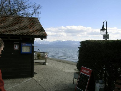Le Percherie is right on the lake! Lac Leman    did you know that Leman means lake ? thus, lac Leman means: Lake Lake