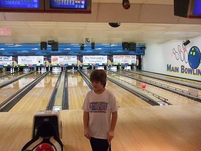 02-09 Caileanna bowling b'day 51