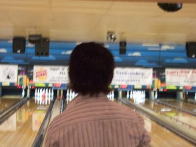 02-09 Caileanna bowling b'day 47