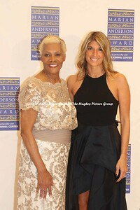 Dionne Warwick Receives The 2017 Marian Anderson Award