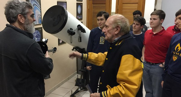 Director of the Vatican Observatory  visits Belen Jesuit