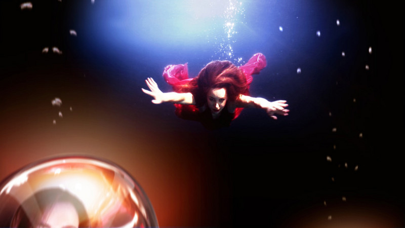 Liv Boeree rotoscoped and composited underwater footage