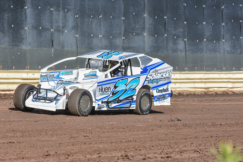 Modified winner - Billy Pauch JR.<br /> Crate Modified winner - Justin Grosso