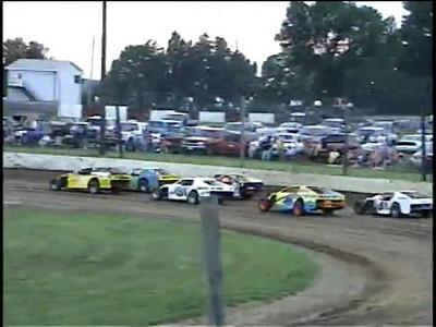 #31 Klinkhamer chasing the #5 Landis for a few laps.  Bunker Hill 2005.  Serious stuff.  ;-)