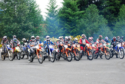 Vet C starting line up.  Jace is 3rd from the left in 1st row on orange bike, wearing black, red, grey and white gear (white helmet).