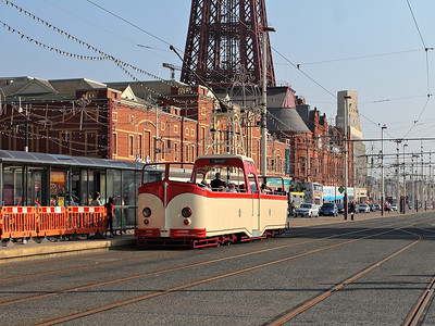 602 passes the tram stop at North Pier on the 25th August 2013