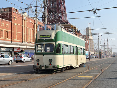 706 trundles along Blackpool Prom towards Tower on the 25th August 2013