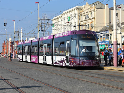 Flexity 2, 008, slows for the North Pier stop on the 25th August 2013