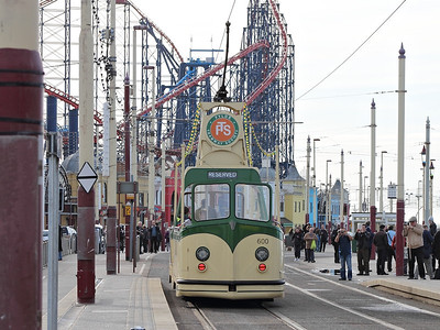 600 waits for access to the turning circle at Pleasure Beach on the 5th November 2011
