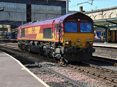 66016 pauses at Carlisle with 6V71 (actually running as 0V71) on the 17th May 2013