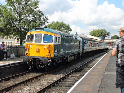33109 stands at Ramsbottom with a shuttle working to Bury Bolton Street on the 7th July 2012