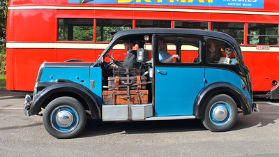 One of those passengers looks to have been there for quite a while!  A Beardmore Paramount mk. VII (1956) passing by.
