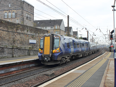 380109 hurries away from Haymarket on the 15th October 2015