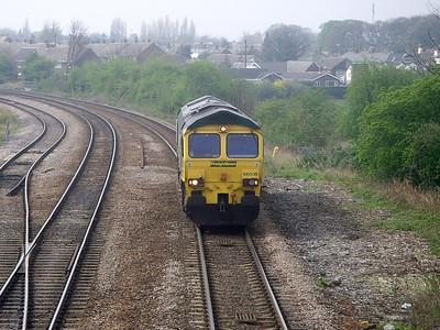 66518 ambles past England Lane (Knottingley) on the 14th April 2009