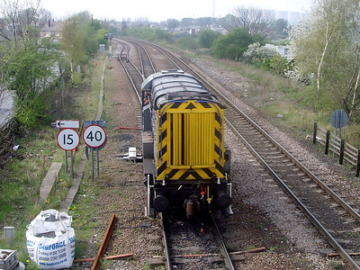 09201 ambles into Knottingley yard on the 14th April 2009
